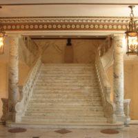 Las escaleras de mármol de El Capitolio Andrew F on Flickr.com